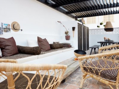 elegant-apartment-with-a-big-private-terrace-in-santa-catalina