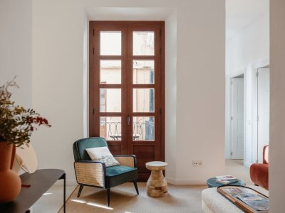 elegant-apartment-with-charm-and-character-in-a-quiet-street-la-lonja.1_l-2